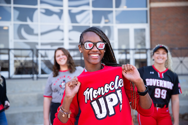 APSU student with sunglasses