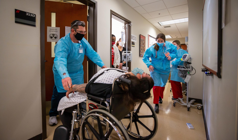 Nursing, rad tech students see power of collaboration in interdisciplinary simulation