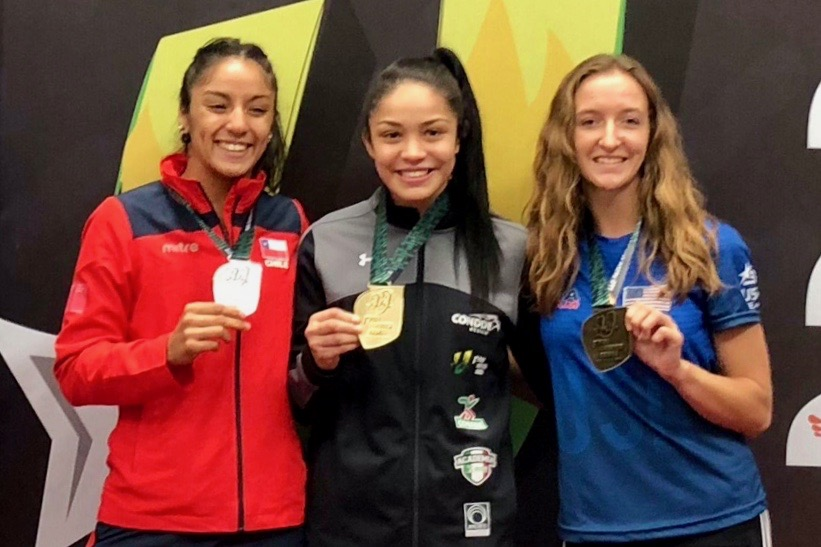 Brinna Lavelle poses with other medal winners