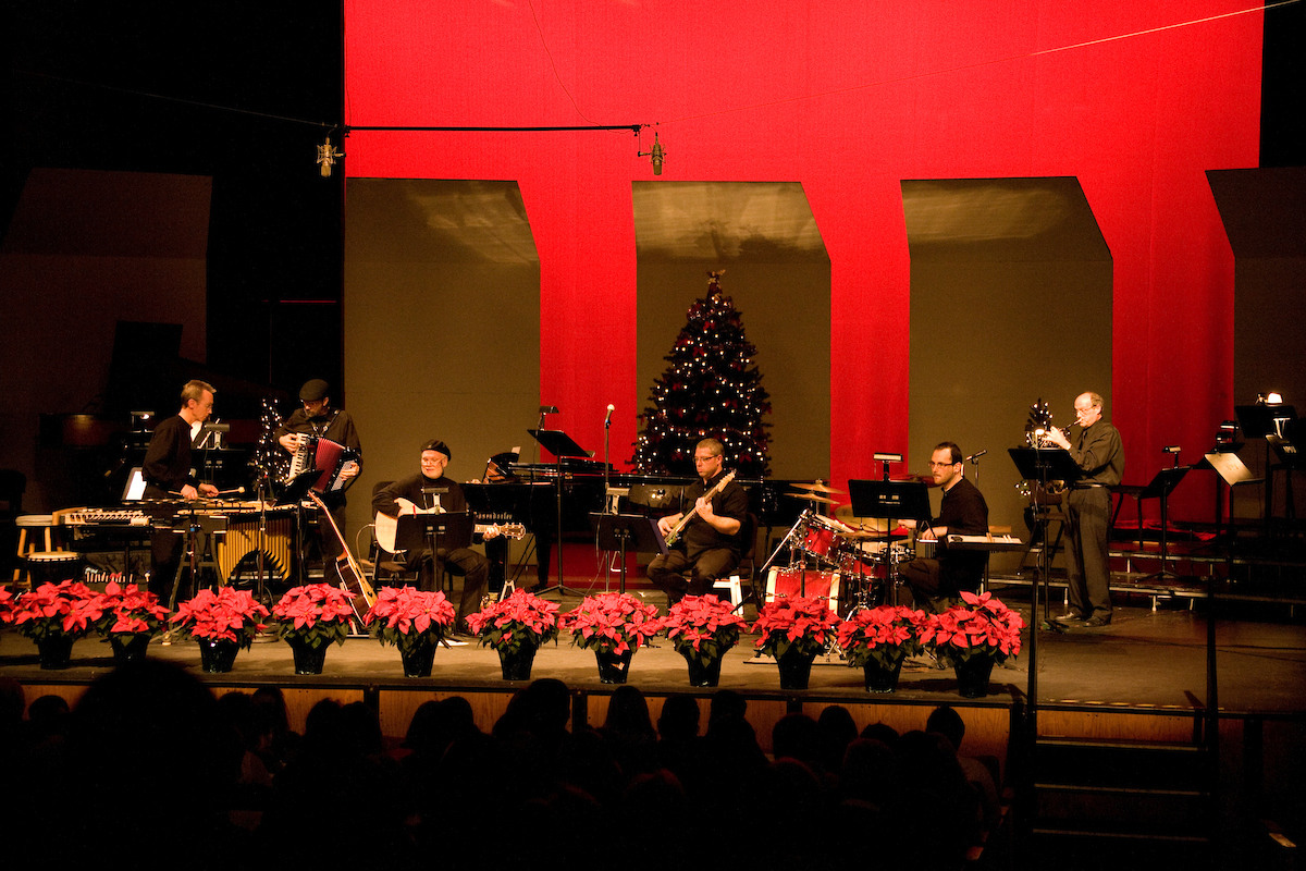 'December Eve': Christmas with David Steinquest and Friends coming Nov. 30