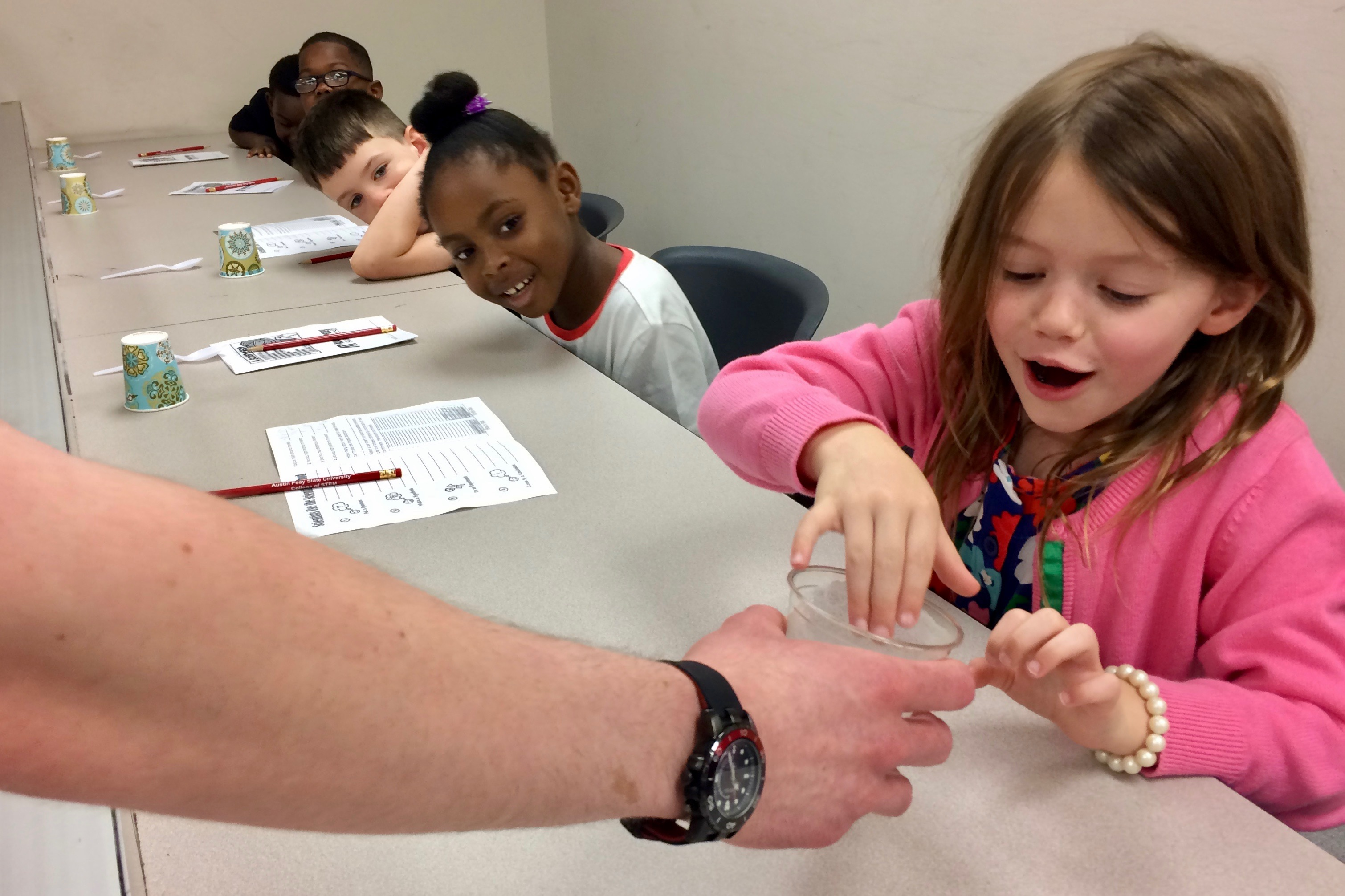 Sango Elementary students become scientists of the day at Austin Peay