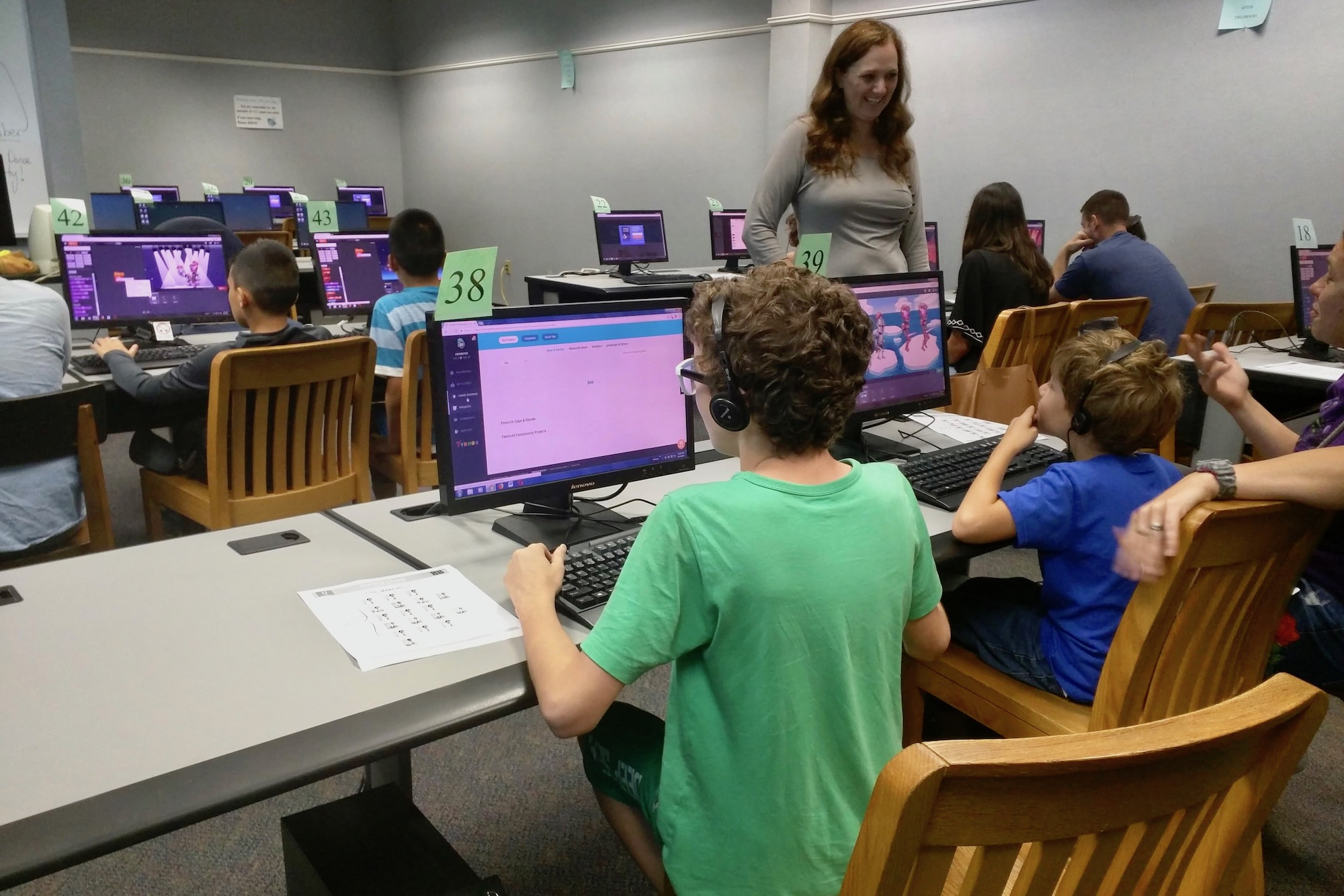 austin peay, local teacher team up to offer free coding classes for